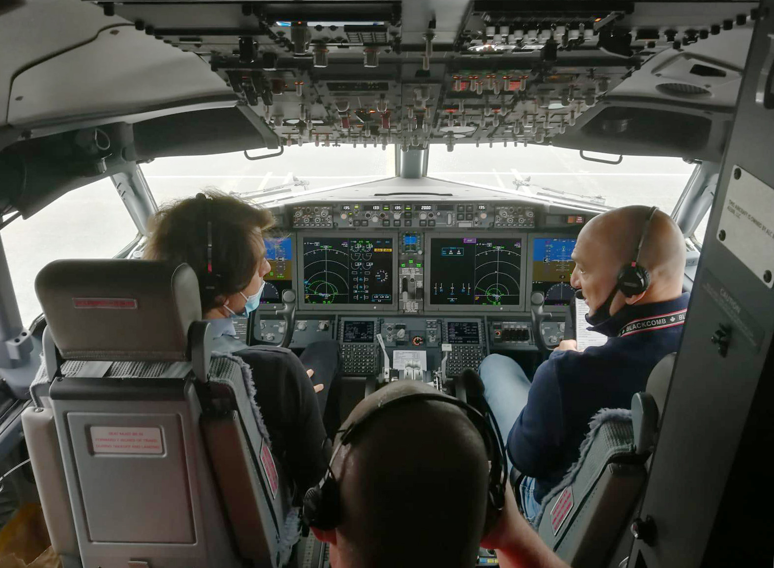 SBoeing 737 MAX Flying Deck